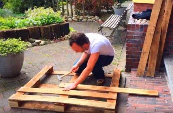 Tata je od starih paleta napravio sjajnu stvar za svoju bebu (VIDEO)