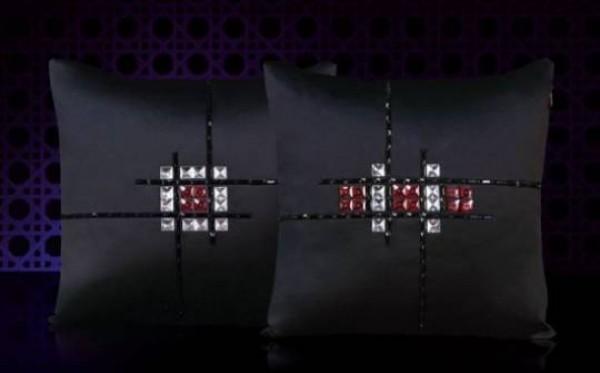 Kada jastuke ukrasite Swarovski kristalima