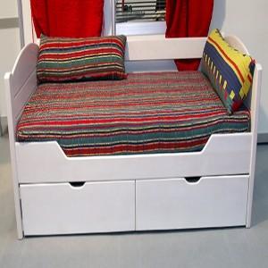 Sofa sa malim fiokama