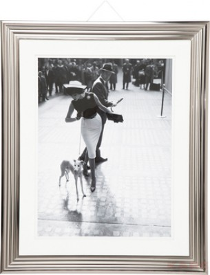 Picture Frame NY Couple With Dog 110x90cm